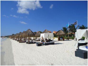 Beach of Puerto Moreles in Mexico